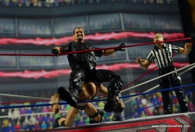 WWE Elite Big Boss Man figure review - squashing Stone Cold