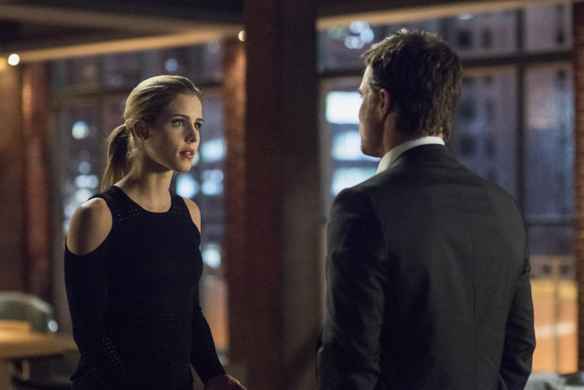 Arrow Dangerous Liaisons review - Felicity and Oliver