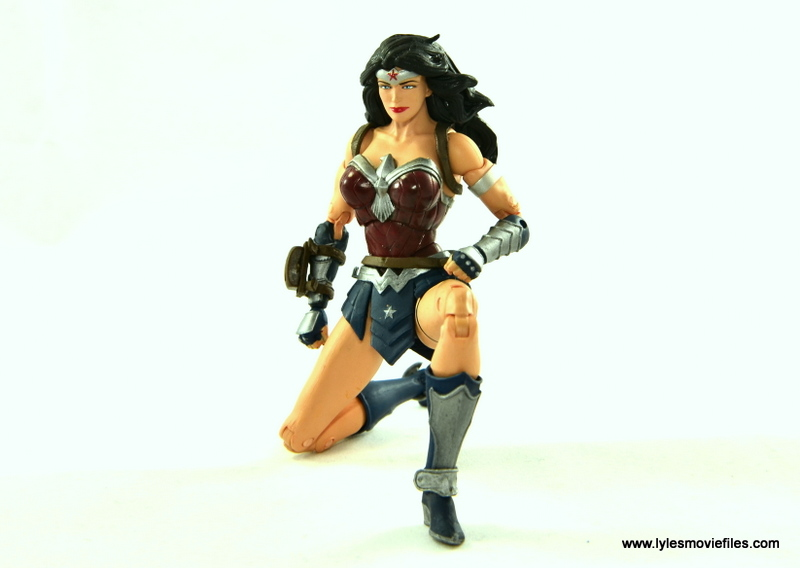 DC Icons Wonder Woman figure review -kneeling