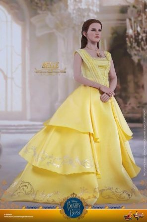 Hot Toys Beauty and the Beast Belle figure -right side