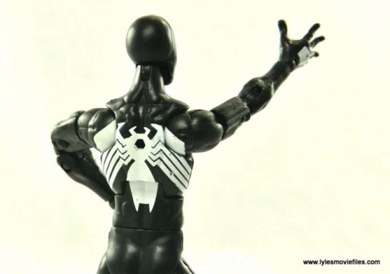 Marvel Legends Symbiote Spider-Man figure review - paint on logo