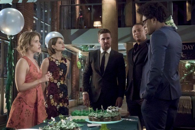 Arrow-Missing-Felicity-Thea-Oliver-Diggle-and-Curtis.