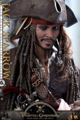 Hot Toys Capt Jack Sparrow figure -head detail