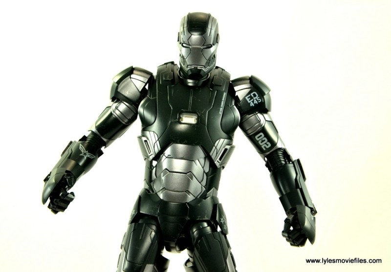 Hot Toys War Machine Age of Ultron figure review -paint detail