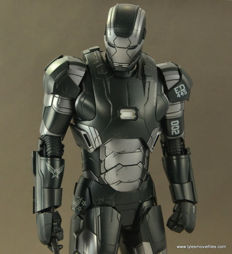 Hot Toys War Machine Age of Ultron figure review -relaxed pose