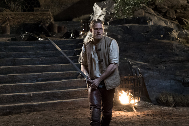 King-Arthur-Legend-of-the-Sword-Arthur-with-Excalibur