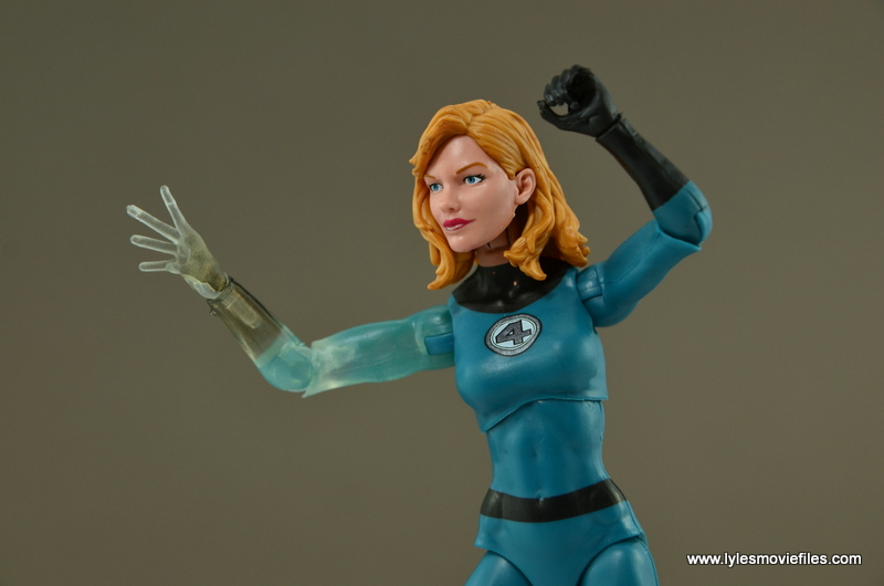 Marvel Legends Invisible Woman figure review - ready for a fight