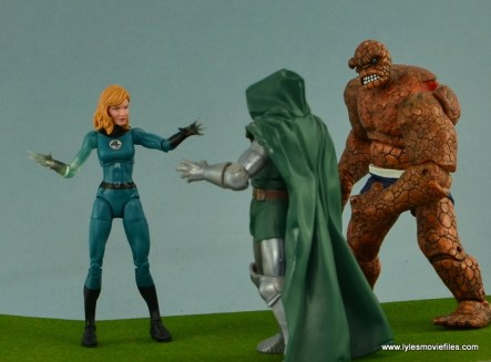 Marvel Legends Invisible Woman figure review -with Ben vs Dr. Doom