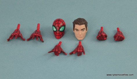 Marvel Legends Spider-Man and Mary Jane Watson figure review - Spider-Man accessories