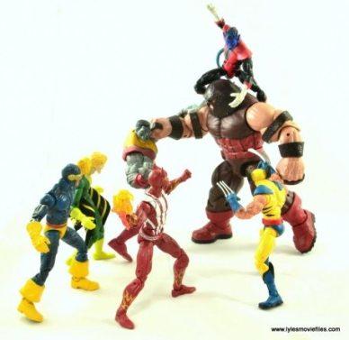 Marvel Legends Sunfire figure review - vs Juggernaut