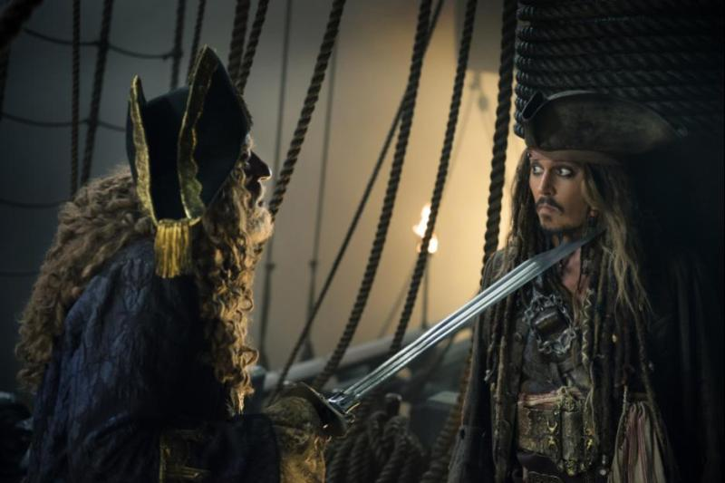 Pirates of the Caribbean Dead Men Tell No Tales - Barbosa and Jack Sparrow