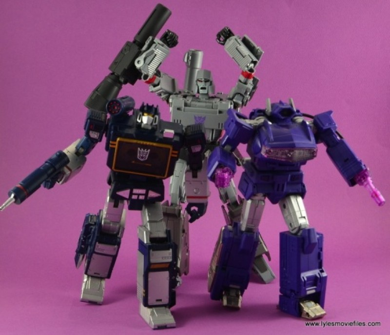 Transformers Masterpiece Megatron figure review -scaring off Soundwave and Shockwave