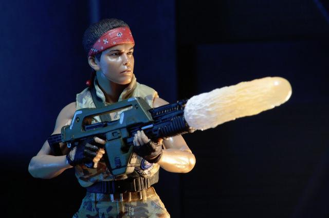 Aliens 12 reveals - Vasquez shooting