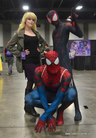 Awesome Con 2017 Day 2 cosplay -Gwen, Spider-Man and Miles Morales