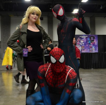 Awesome Con 2017 Day 2 cosplay - Gwen Stacy, Spider-Man and Miles Morales Spider-Man