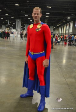 Awesome Con 2017 Day 2 cosplay - Mon-El New Krypton suit