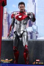 Hot Toys Iron Man Mark 47 figure - arm up unmasked