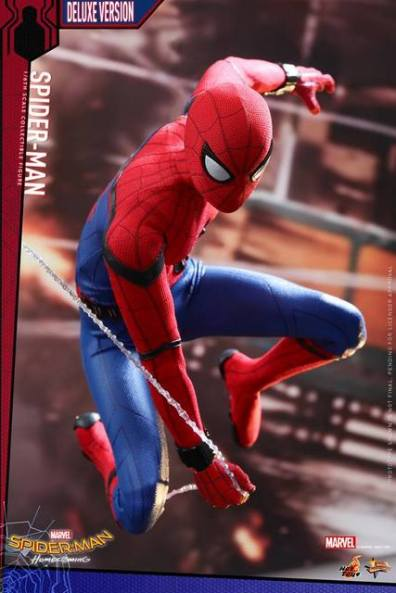 Hot Toys Spider-Man Homecoming figure - Ultimate Spidey homage