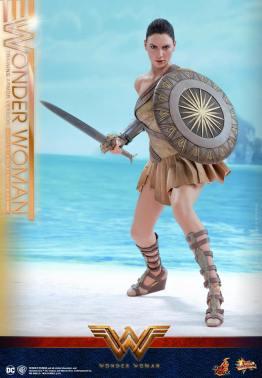 Hot Toys Wonder Woman Training Armor Version -fight