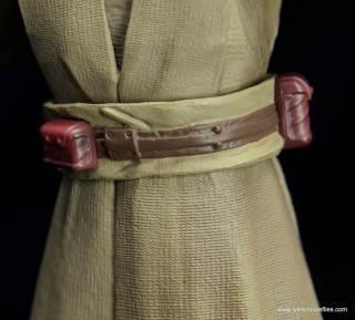 SH Figuarts Mace Windu figure review - belt rear