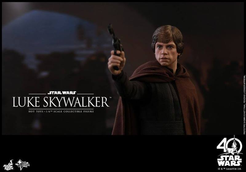 Hot Toys Jedi Luke Skywalker figure -aiming blaster at Jabba