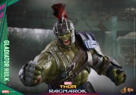 Hot Toys Thor Ragnarok Gladiator Hulk figure -punching