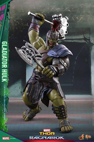 Hot Toys Thor Ragnarok Gladiator Hulk figure - swinging mace