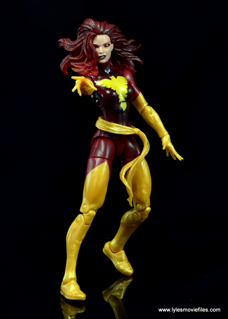 Marvel Legends Cyclops and Dark Phoenix figure review - Dark Phoenix aiming