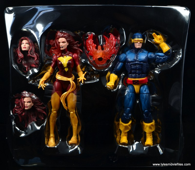 Marvel Legends Cyclops and Dark Phoenix figure review -figures in tray