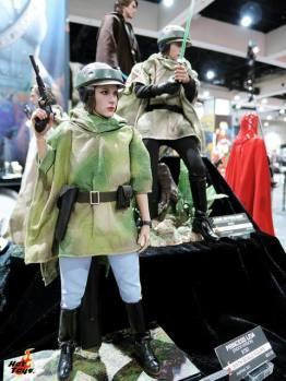 SDCC 2017 new Hot Toys Endor Leia and Luke Skywalker