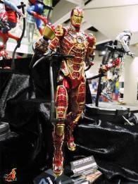 SDCC 2017 new Hot Toys Iron Man Bones