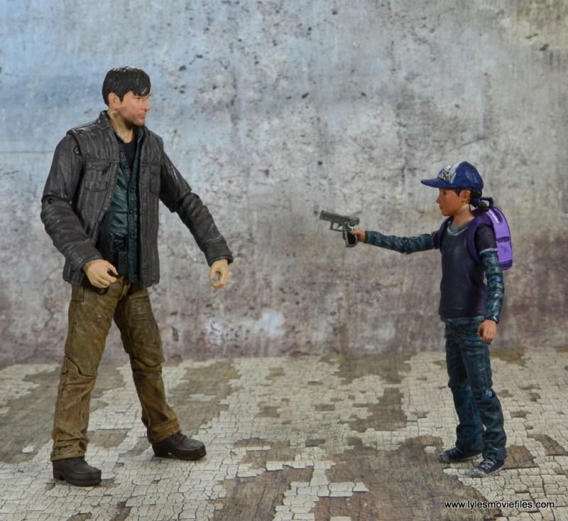 The Walking Dead Telltale Games Clementine figure review - aiming gun