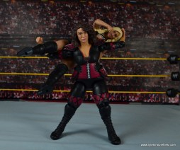 WWE Nia Jax figure review - Samoan Drop to Charlotte Flair