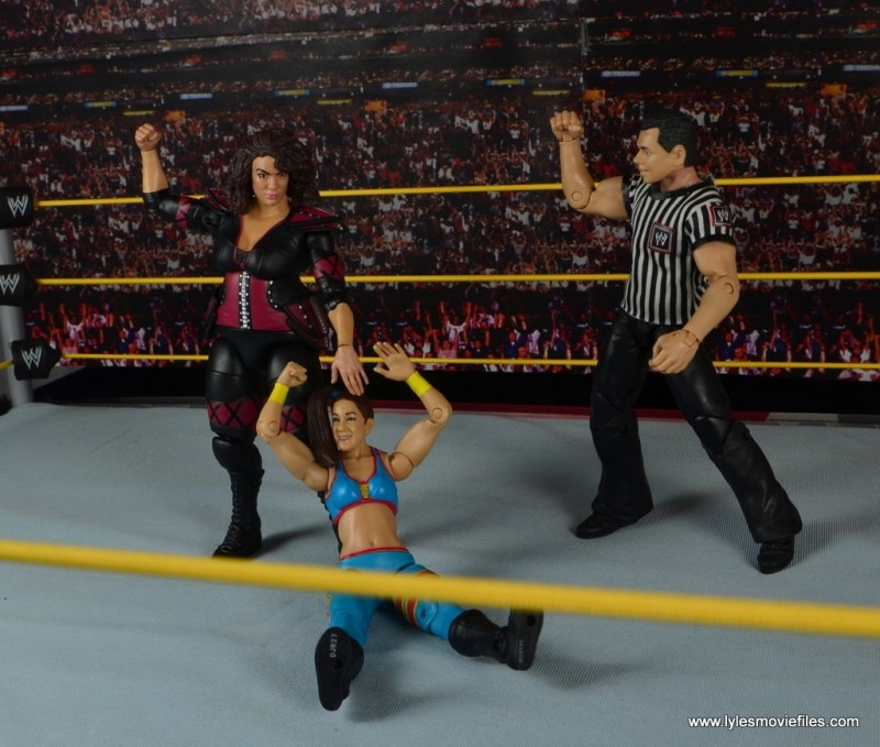 WWE Nia Jax figure review - grabbing Bayley's hair