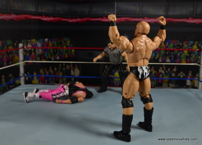WWE The Warlord figure review - towering over Bret Hart