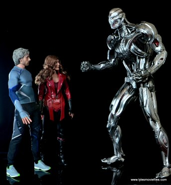 Hot Toys Avengers Ultron Prime figure review - hunched over to talk with Quicksilver and Scarlet Witch