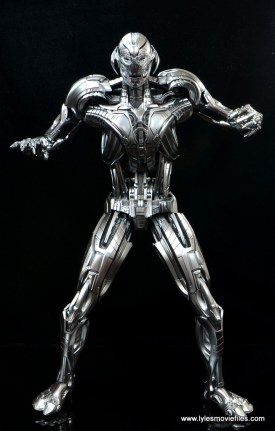 Hot Toys Avengers Ultron Prime figure review -intimidating pose