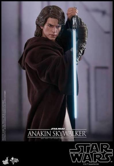 Hot Toys Revenge of the Sith Anakin Skywalker - saber pose