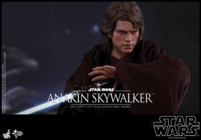 Hot Toys Revenge of the Sith Anakin Skywalker - saber strike pose