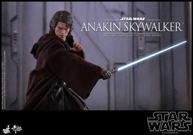 Hot Toys Revenge of the Sith Anakin Skywalker - strike pose
