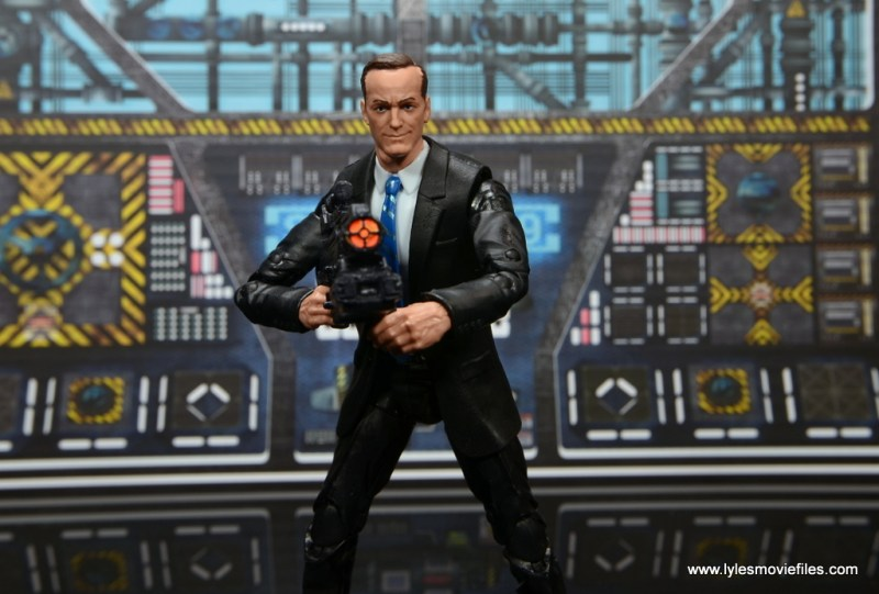 Marvel Legends Avengers Initative figure review - Agent Coulson holding BFG