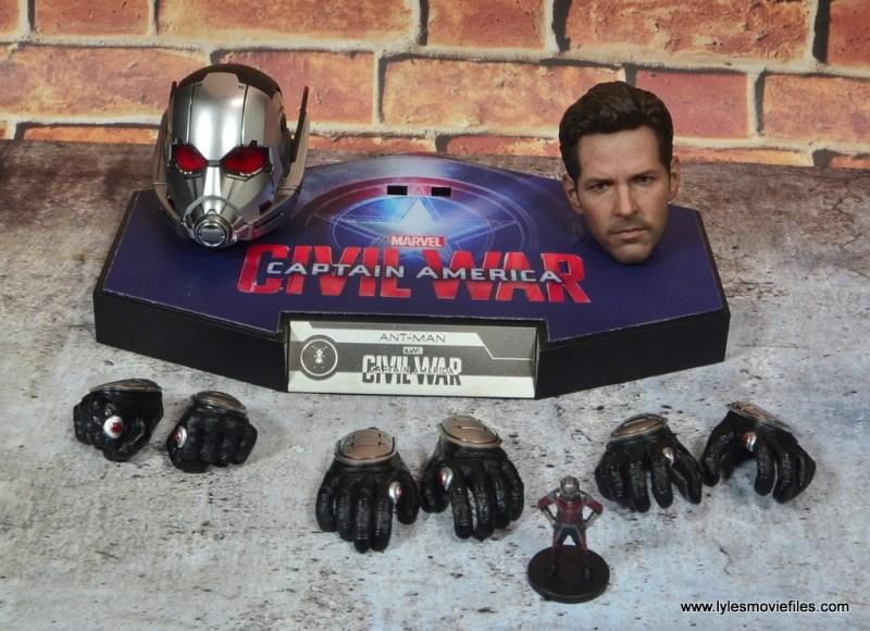 hot toys captain america civil war ant-man figure review -accessories