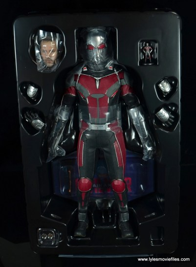 hot toys captain america civil war ant-man figure review -inner tray