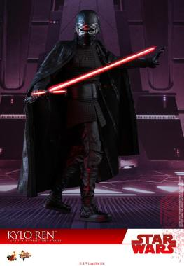 Hot Toys The Last Jedi Kylo Ren - saber and helmet on