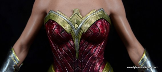 Hot Toys Wonder Woman figure review -breastplate detail