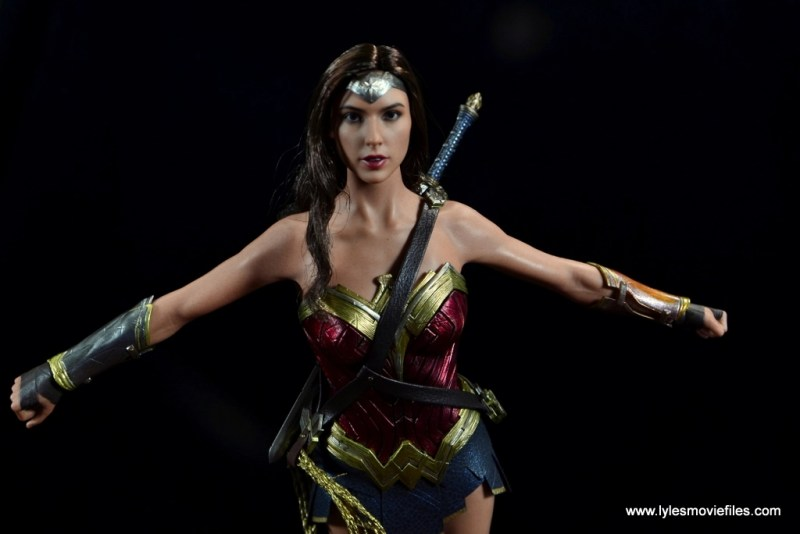 Hot Toys Wonder Woman figure review -flying forward