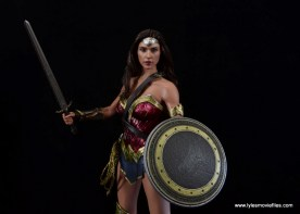 Hot Toys Wonder Woman figure review -ready for a fight