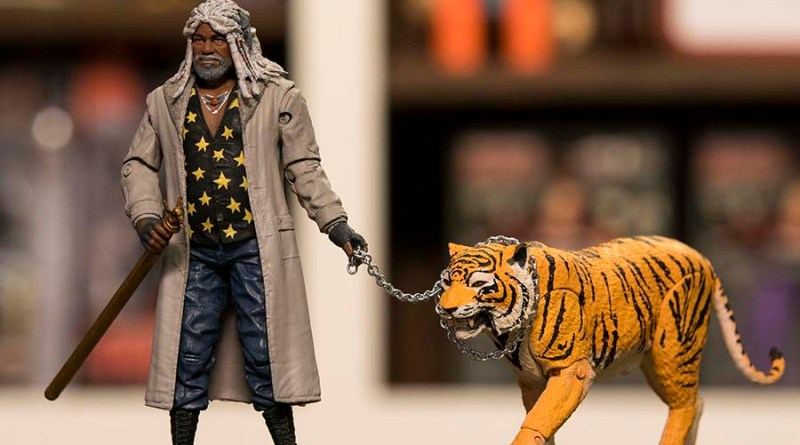 NYCC 2017 McFarlane Toys - The Walking Dead Ezekiel and Shiva - wide