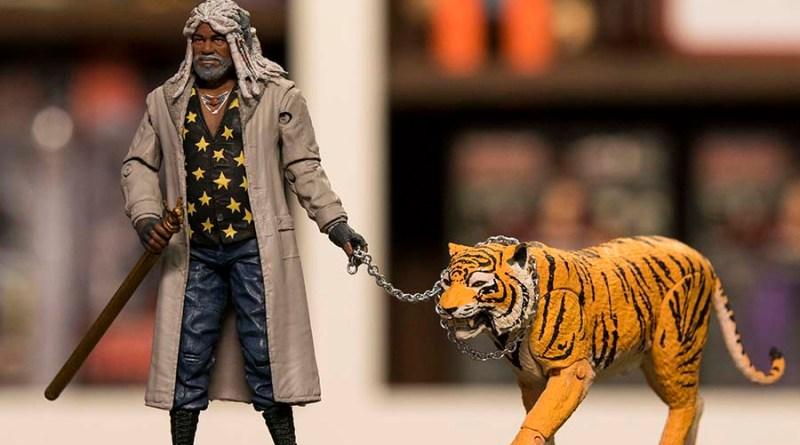 NYCC 2017 McFarlane Toys - The Walking Dead Ezekiel and Shiva - wide