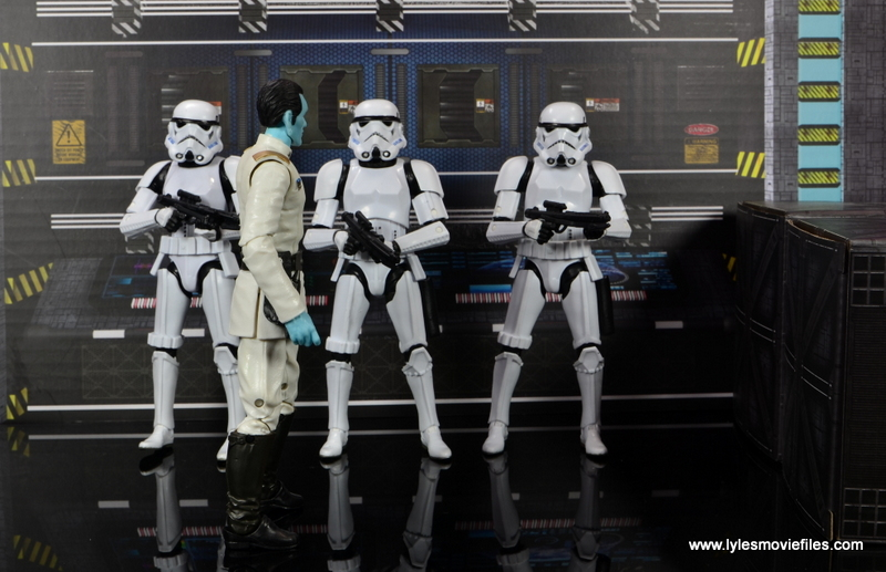 Star Wars The Black Series Grand Admiral Thrawn figure review -sizing up troopers